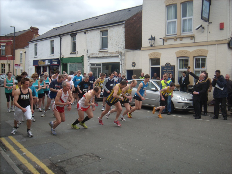 64th Tredworth Road Race begins